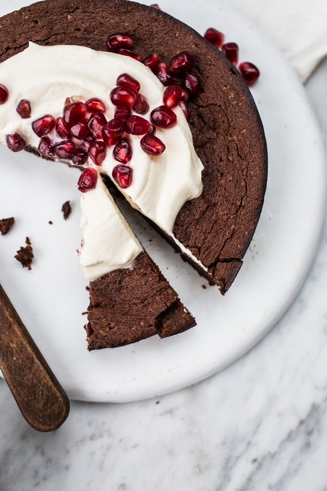 {A Giveaway} + Valentine's Dessert: Flourless Chocolate & Pomegranate Mini Cake