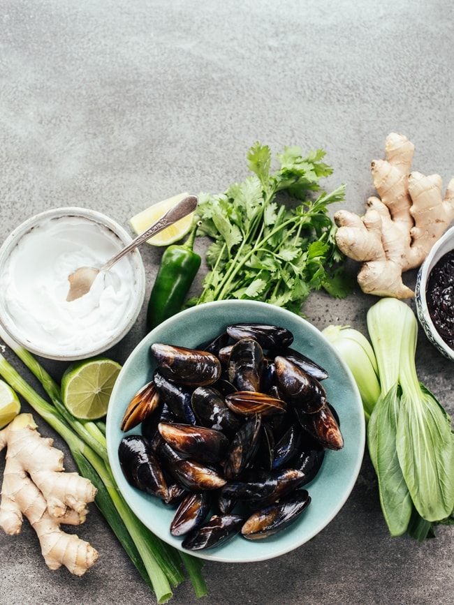 mussels-with-a-coconut-blackbean-ginger-broth-7397