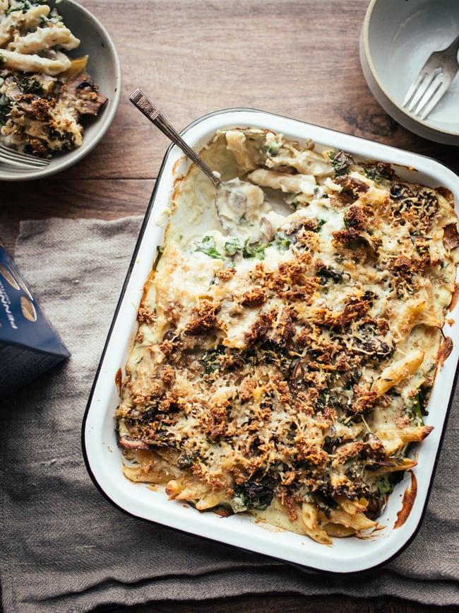vegan creamy cauliflower mushroom pasta bake