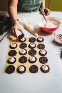 Food Blogger Izy Hossack makes DIY Birthday Cake Oreos