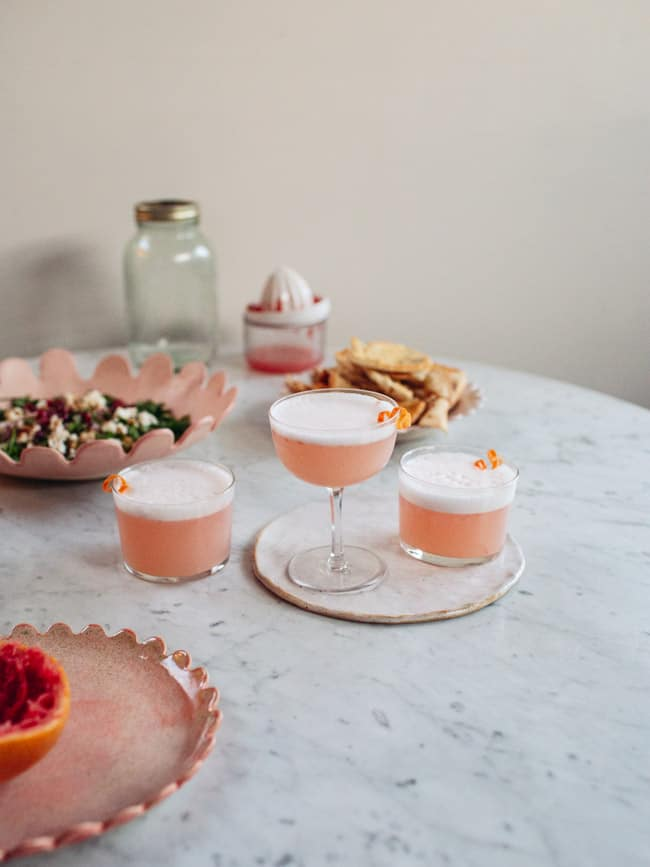 Food blogger Izy Hossack makes Vegan Grapefruit Gin Sour Cocktail