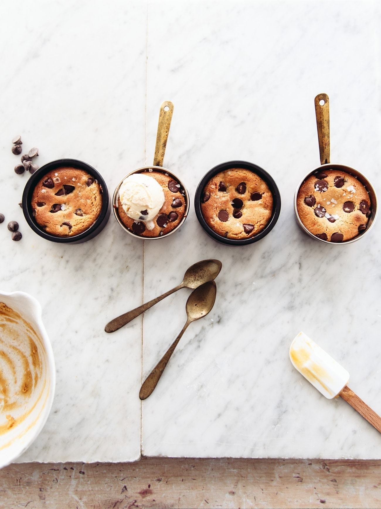 Food blogger Izy Hossack makes Gooey Chocolate Chip Cookie Pots for 2 people with a vegan option