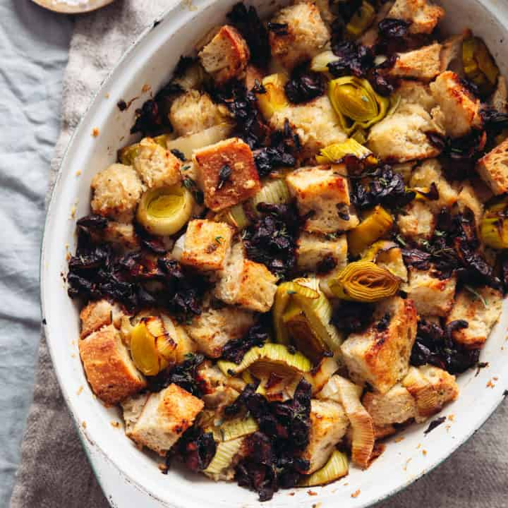 Simple Vegan Garlicky Sourdough Stuffing